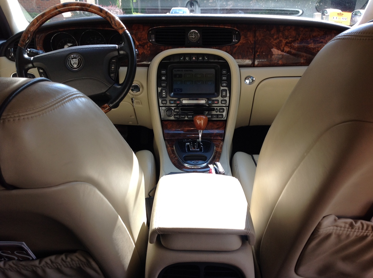 lincoln town car 2015 interior the image kid has it