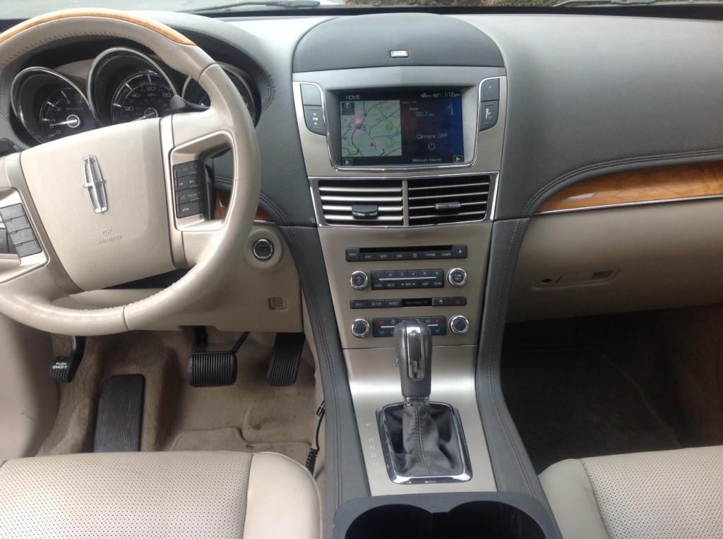 Lincoln MKT Interior 1