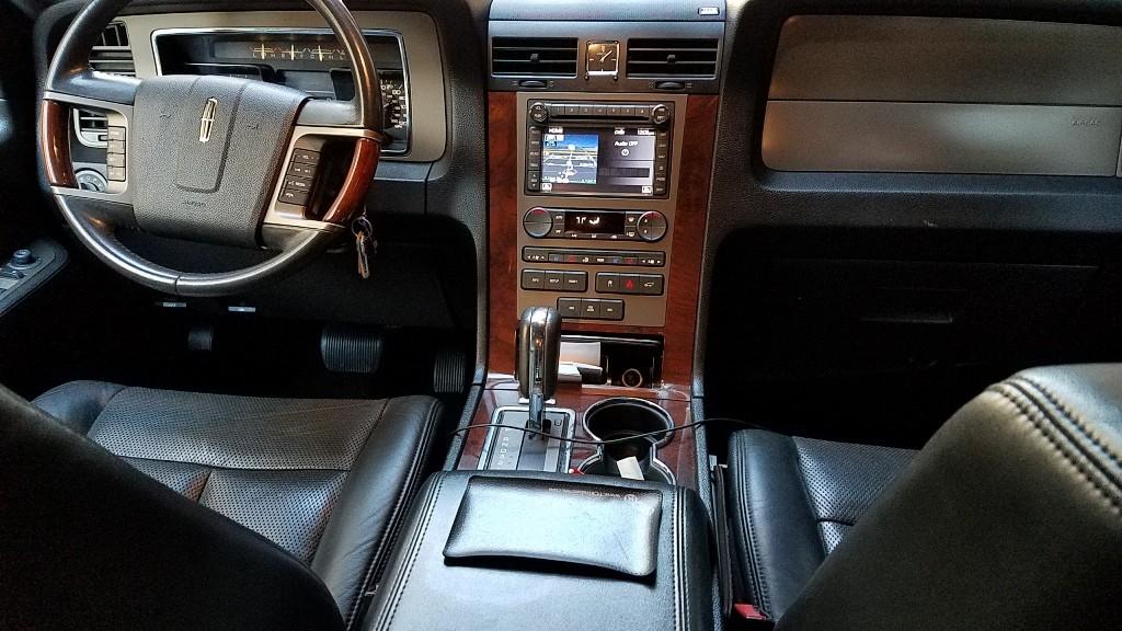 LincolnNavigator_Interior1