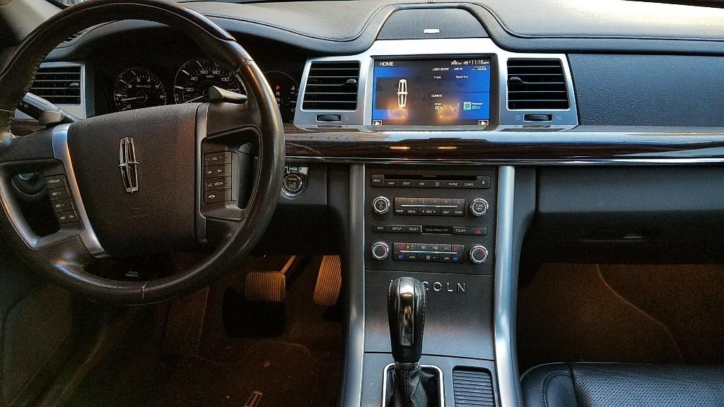 LincolnMKS_Interior1