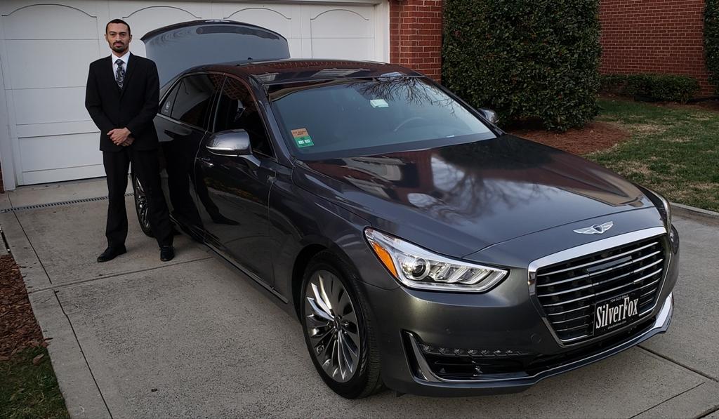 4 Passenger Luxury Genesis G90 Exterior 1