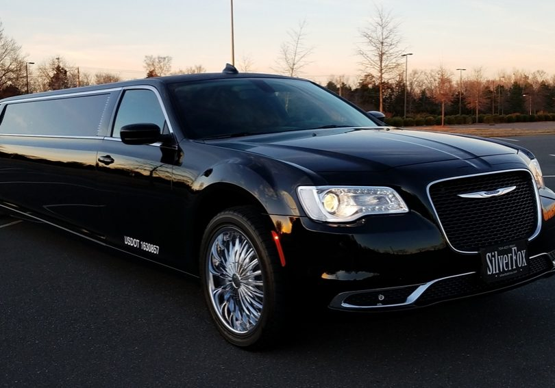 2017 Chrysler 300 Limo 3